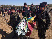 Нашлись родственники двоих неопознанных бойцов, похороненных под Запорожьем