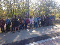 Фотофакт: Запорожцы выстроились в очередь, чтобы увидеть Президента
