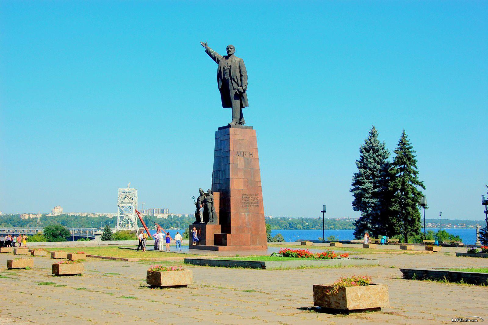 Ленинопад не пройдет: Антимайдановцы составляют списки врагов памятника