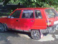 У запорожанки из гаража «увели» машину