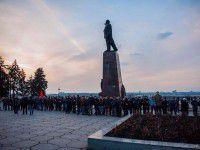 Активисты снова будут требовать демонтажа памятников диктаторам
