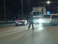 В Запорожье столкнулись три автомобиля — образовалась пробка