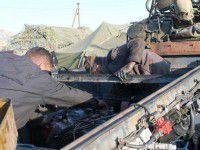 Запорожский клуб ретро автомобилей ремонтирует БТРы для армии