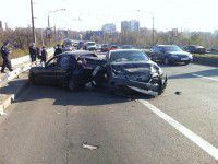 Фото: На дамбе «Лексус» врезался сзади в отечественное авто