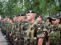 Бойцы 93-ей механизированной бригады возвращаются на ротацию