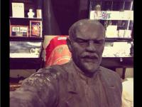 Запорожский Ленин похвастался новым селфи