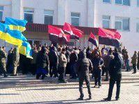 Активисты Правого сектора переключились с «Запорожстали» на другой завод