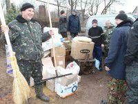 Военным отвезли пирожки от 90-летней пенсионерки Раи