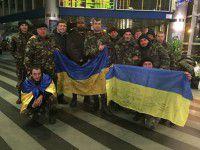 Запорожских военных из снежного плена доставали коммунальщики  из двух областей