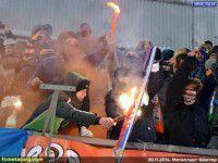 В Запорожье донецкие фанаты сожгли флаг «ДНР»
