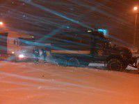 Запорожские спасатели достали из снега более 400 машин