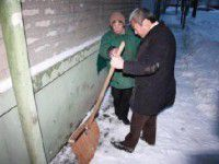 Запорожский мэр рассказал, почему коммунальщики опоздали с уборкой снега