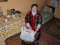 Запорожанка, живущая на минимальную зарплату, почти все отдает военным (Видео)