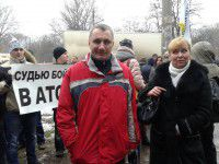 В Запорожье митингующие требовали отправить судью в зону АТО