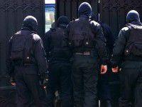 В Запорожской области в ЖЭКи ворвались люди в масках