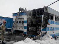 В Запорожье СТО сгорела вместе с машинами