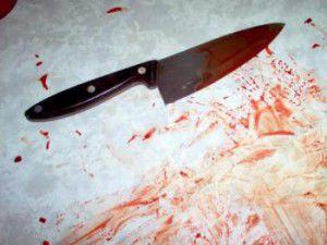 21_081058_blood_knife