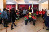 Более тысячи мелитопольцев пришли проститься со своим мэром (Фото)