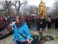 В Запорожской области за участие в антивоенных митингах платили