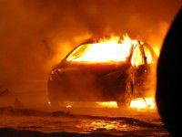 В запорожском дворе сгорели сразу три автомобиля