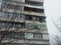 В Запорожье ураганный ветер серьезно повредил балкон