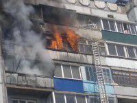 В Запорожье жильцов эвакуировали из горящей девятиэтажки