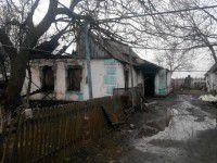 В Запорожской области горящая крыша упала на семью — подробности