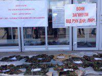 Боевики угрожали запорожским депутатам перед сессией