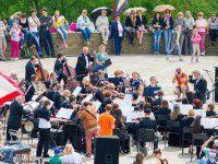 Фотофакт: Для запорожцев на крыше сыграл симфонический оркестр