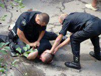 Активисты, свалившие Ленина, подрались с милицией