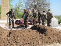 В Запорожской области земле предали тела 26 неизвестных солдат