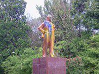 В Мелитополе Ленин снова пострадал от рук хулиганов