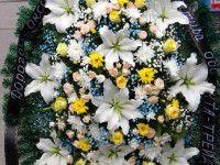 Траурные венки из искусственных цветов с доставкой по Киеву