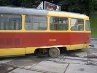 На Кичкасе трамвай сошел с рельсов на большой скорости