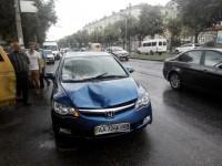 Водитель, сбивший двоих детей, бросил машину