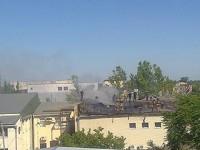 В Запорожской области загорелась крыша торгового центра