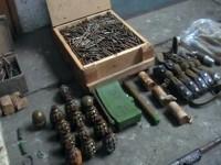 Жителя Запорожской области задержали при попытке зарыть арсенал оружия