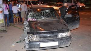 В Запорожье пьяный водитель влетел в остановку: есть пострадавшие