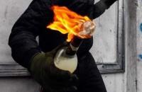 В запорожском селе памятник обложили шинами и подожгли