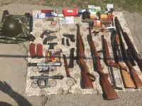 У жителя Запорожской области изъяли оружие и фальшивое удостоверение милиционера