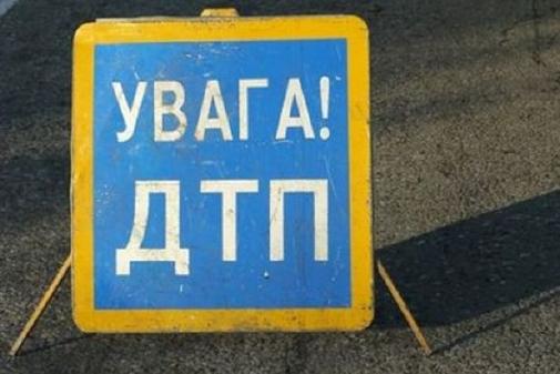 В спальном районе Запорожья пьяная водитель сбила троих рабочих на обочине