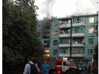 В запорожской многоэтажке тушили масштабный пожар