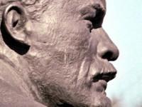 В Запорожской области перед началом учебного года снесли Ленина