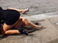 Работница суда устроила драку возле мемориала Небесной сотне