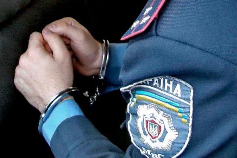В Запорожье задержали правоохранителя на крупной взятке