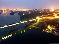Фотограф снял ночное Запорожье с высоты недостроенных мостов