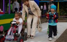 В детсаду Энергодара открыли автогородок со светофором и заправкой