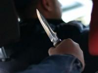 На Космосе пьяный пассажир напал на маршрутчика с ножом