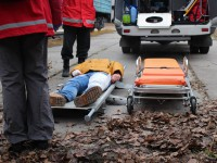 В Запорожье волонтеры зрелищно соревновались  в спасении раненых пассажиров (Фото)