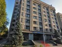 Гостиницу в центре Запорожья хотят за бесценок продать в частные руки